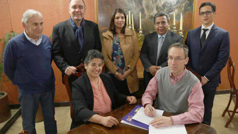 Signing of agreement between UNBC and University Santiago de Chile