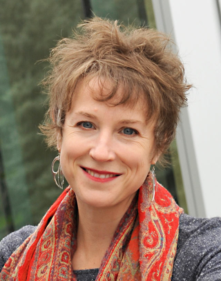 Dr. Sarah de Leeuw